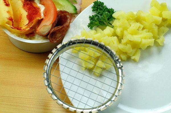 Krájecí kolečko na bramborový salát - Kráječ vařených brambor - český výrobek Plastimex
